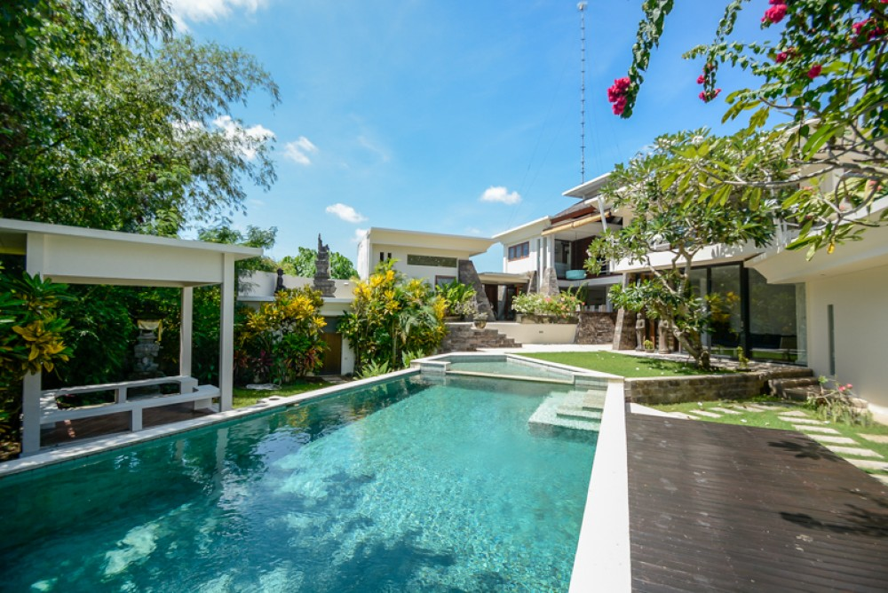 You Don't Have to Fully Furnished Your Private Villas Bali